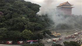 北捷劍潭站附近不明原因火警 黑煙直竄高空_ ptt