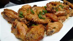炸雞。(圖/攝影者Arnold Gatilao,flikr CC License/網址http://bit.ly/2kiemyl)