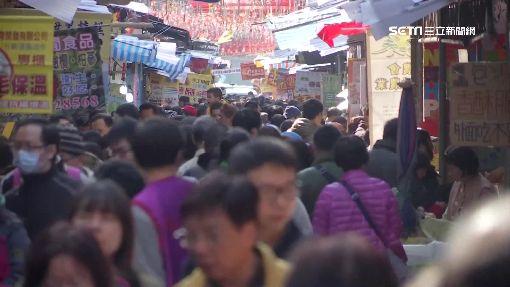 """年貨大街小心扒手! """"雙賊組""""一偷一接快閃"""