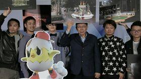 台北市長柯文哲親自宣布2017主燈「小奇雞」 北市府提供