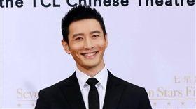 黃曉明 https://www.facebook.com/HuangXiaoMingFans/photos/a.163855083638243.38297.163852550305163/1234246506599090/?type=3&theater