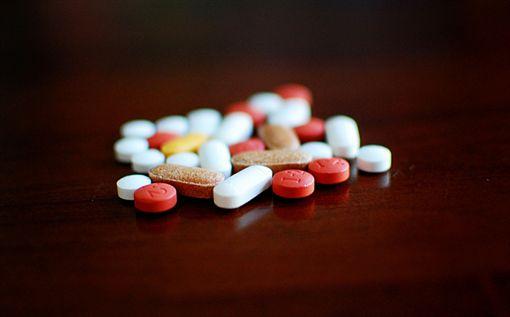 藥物、藥丸、藥。(圖非新聞當事人/攝影者Jamie,flikr CC License/網址http://bit.ly/2gKK3vN)