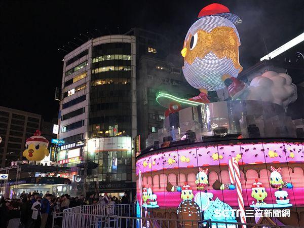 2017台北燈節,西門町,主燈,雞年。(圖/記者簡佑庭攝)