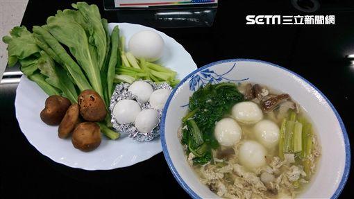 營養師鄭佾琪說,有血糖問題者,如果想吃元宵,建議可以當作正餐食用,取代飯、麵。(圖/北市衛生局提供)