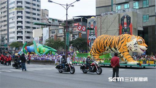 2017台北燈節西城嘉年華大遊行。(圖/記者簡佑庭攝)