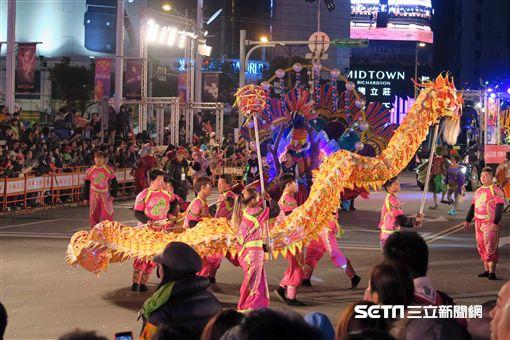 2017台北燈節「西城嘉年華大遊行」。(圖/記者簡佑庭攝)