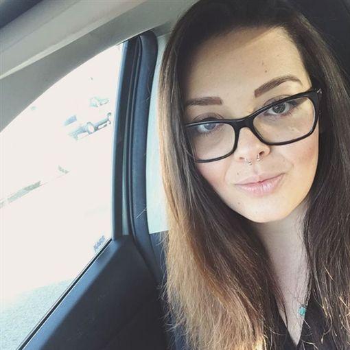 愛莉克絲已經28歲。(圖/翻攝自alexowenssarno IG)