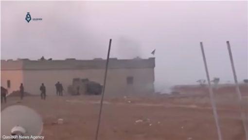 IS士兵自殺攻擊