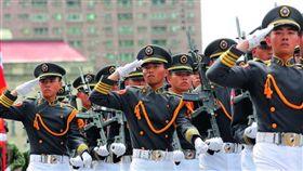 三軍官校制服將大改款,要求設計師要帥氣又時髦。(圖/新新聞)(名家)