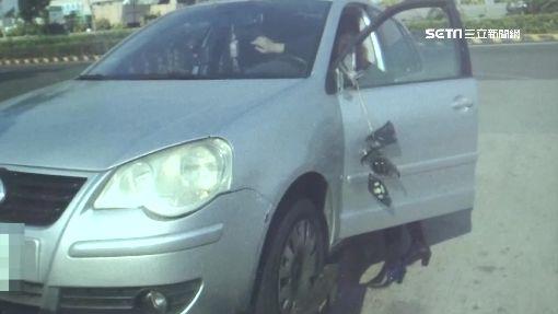 驚! 飛來輪胎國道砸車 女駕駛乘客頻尖叫
