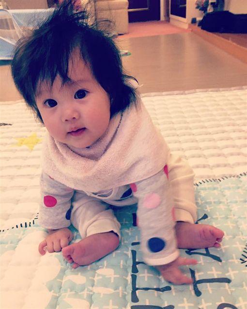 六月,李易,女兒(圖/翻攝自六月臉書)