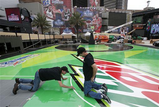 ▲紐奧良市正加緊布置NBA明星賽。(圖/美聯社/達志影像)