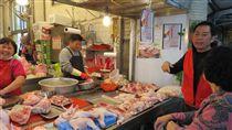 防禽流感  新北市場處總動員(1) 新北市政府市場處17日表示,預防禽流感,全體動員調 查公有市場及攤販集中區,其蛋類、貨源合法性,並加 強宣導禽肉衛生等防疫政策。 (市場處提供) 中央社記者黃旭昇新北市傳真  106年2月17日