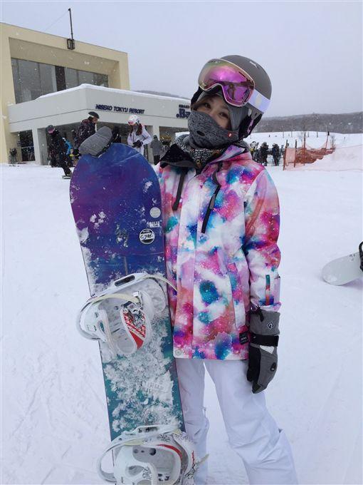 王心凌滑雪初體驗 運動神經發達 咬牙一衝瞬間學會 圖/天晴音樂提供