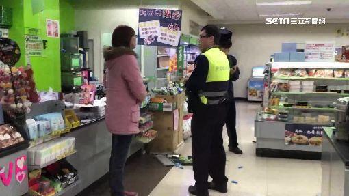 夜半超商櫃台濺血 店員遭3人持帽狂毆
