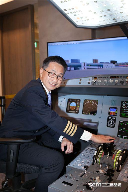 華信航空飛行體驗營。(圖/華信提供)