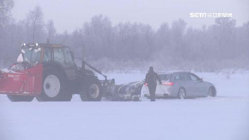 """甩尾過彎""""撞雪堆"""" 芬蘭冰駕全記錄"""