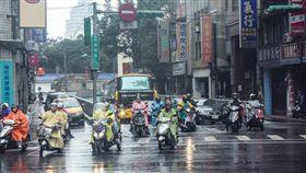 雨天,下雨,濕冷 (圖/攝影者m-louis .®Flickr CC License) https://flic.kr/p/qEZHVC