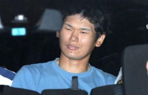 岩崎友宏被捕時還露出詭異微笑。(圖/翻攝自網路)