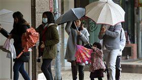下雨、冷氣團、天氣、氣象/中央社