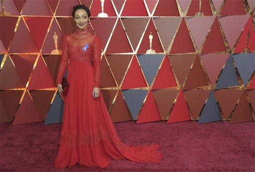 蘿絲奈格(Ruth Negga)以《愛侶》入圍最佳女主角。(圖/美聯社/達志影像)