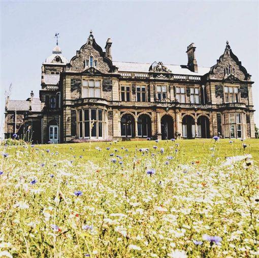 這座英國莊園擁有超過百年歷史。(圖/翻攝自舒子晨臉書)