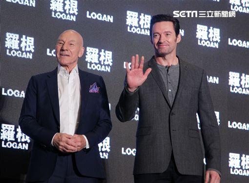 「金鋼狼」休傑克曼(Hugh Jackman)與「X教授」派屈克史都華(Patrick Stewart)為《羅根》宣傳 圖/記者邱榮吉攝影