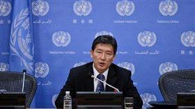 北韓前常駐聯合國副代表李東日(搜狐 http://mil.sohu.com/20150807/n418339124.shtml)