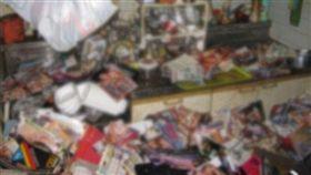 男孤獨死一個月  屍體被6噸A書包圍_https://nikkan-spa.jp/1294401