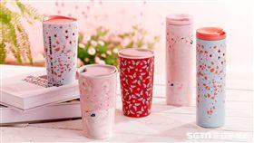 星巴克聯手法國時尚品牌paul & Joe推出櫻花季限量商品。(圖/統一星巴克提供)