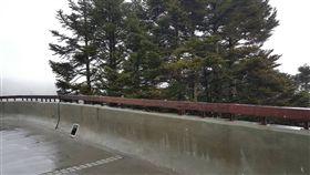 水氣遇高山低溫 合歡山短暫飄雪夾雨 中央社