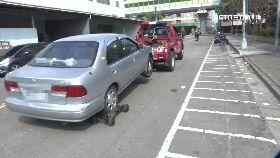 警無視毀車1800