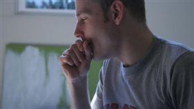 流感、咳嗽、感冒。(圖非新聞當事人/攝影者Rebecca Brown,flikr CC License/網址http://bit.ly/2fLsEUx)