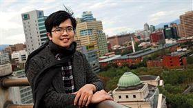 林祖儀本來在沃草擔任發言人,柳林瑋離職後才臨危受命擔任執行長。
