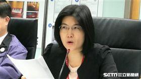 台北市衛生局食藥處處長王明理今(13)天說明遠東油脂公司乳瑪琳北市稽查下架情形。