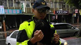 颱風天,警察,喝醉 圖/翻攝畫面
