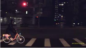 爆廢公社 行車記錄器 翻攝影片