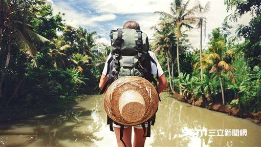 一個人,旅遊,獨自旅遊,背包客(圖/booking.com提供)