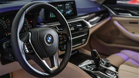 BMW大5系列 台灣汎德提供