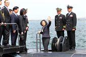 總統蔡英文視導海虎潛艦。(記者邱榮吉/左營拍攝)