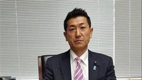 日本現任總務副大臣赤間二郎(圖)25日將在台宣傳日本觀光活動。這也是台灣與日本在1972年斷交後,最高層級的日方官員訪問。(圖取自赤間二郎臉書www.facebook.com/)