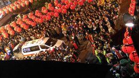 大甲鎮瀾宮,媽祖,遶境,雲林,西螺,福興宮,救護車(https://www.facebook.com/photo.php?fbid=1595410280476630&set=pcb.1928667637362437&type=3&theater)