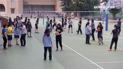 -高中生-學生-體育課-校園-