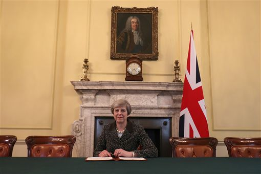 英國、脫歐、輔弼梅伊簽署信函啟動英國脫離歐洲聯盟程序(圖/路透社/達志影像)