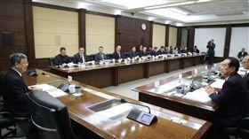 總統府今(16)日中午召開前副總統李元簇治喪大員會議,由副總統陳建仁主持。(總統府提供)