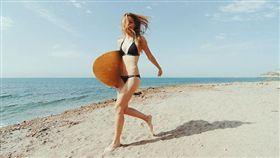 比基尼,海灘,旅遊,日曬,維生素D,太陽,瘦身,海邊,游泳(圖非新聞當事人/攝影者Martin Cox,flikr CC License/網址http://bit.ly/27CcvVm)