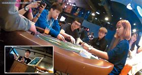台中「Raise德撲主題餐廳」藉招攬會員,將玩家一步步誘導到大陸的博奕平台「德撲圈」,賭客在線上賭人民幣,一下賭桌就匯款彩金,成為掛羊頭賣狗肉的賭窟。