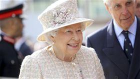 英女王電話接不完  徵接線生年薪88萬_美聯社/達志影像