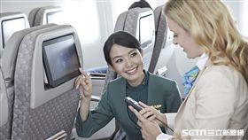 長榮航空,空姐,機艙。(圖/長榮提供)