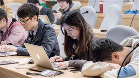 大學生,上課,聽課,教室(圖/攝影者SITCON, Flickr CC License)https://goo.gl/I2XUHo
